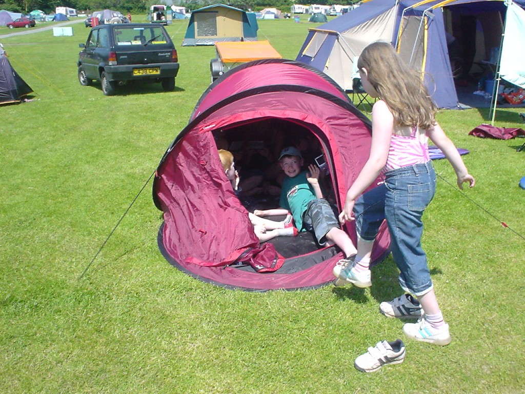 Childrens' camping - Lobb Fields, Braunton, North Devon - 01271 812090